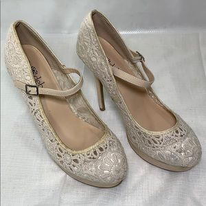 Deb Lace style high Heel Size 9 women